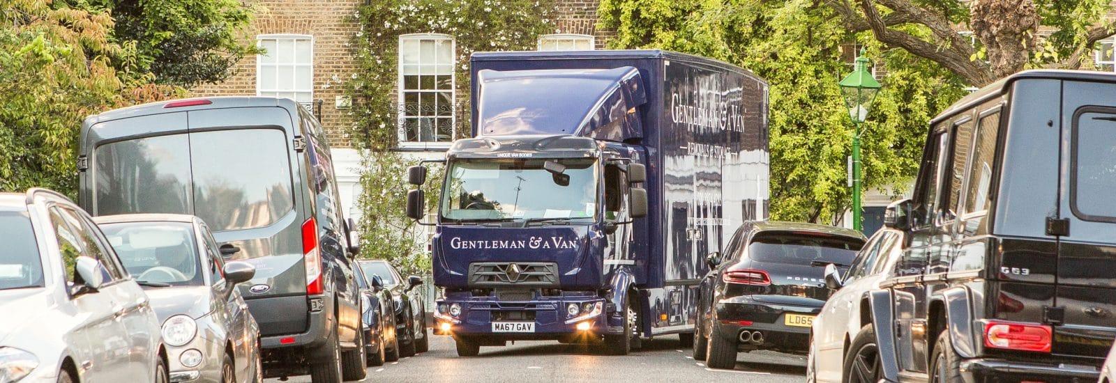 Gentleman and a van lorry – move in London with Gentleman & A Van width=